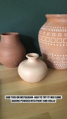Diy Crafts For Home Decor, Diy Crafts Hacks, Home Decor Vases, Diy Painted Vases, Do It Yourself Baby, Das Hotel, Boho Diy, Diy Painting, Homemade Home Decor