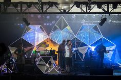5   Indie Band Brings Stadium-Worthy Visuals To Small Clubs   Co.Design: business + innovation + design