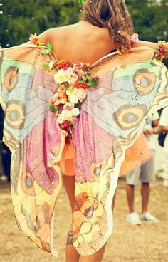 fairy wings bohemian boho style hippy hippie chic bohème vibe gypsy fashion indie folk look outfit Festival Looks, Festival Diy, Festival Mode, Festival Fashion, Festival Dress, Diy Festival Clothes, Festival Costumes, Hippie Festival, Spring Festival