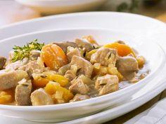 Aprikosen-Schweinegulasch ist ein Rezept mit frischen Zutaten aus der Kategorie Schwein. Probieren Sie dieses und weitere Rezepte von EAT SMARTER!