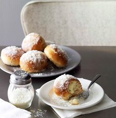 Ricotta's creamy, fluffy texture is a bouncing board of flavour for delicious desserts or sweet snacks. We've rounded up a selection of our favourite ricotta snacks and desserts, from fritters to tarts to doughnuts. Time to get your bake on. Donut Recipes, Gourmet Recipes, Sweet Recipes, Baking Recipes, Pastry Recipes, Lemon Dessert Recipes, Köstliche Desserts, Delicious Desserts, Plated Desserts