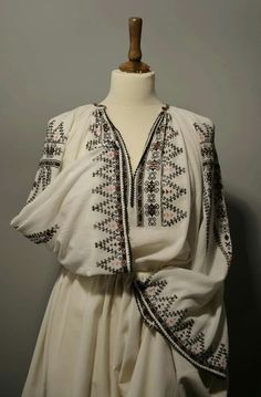 Folk Embroidery, Decoration, Kimono Top, Victorian, Costumes, Traditional, Tops, Dresses, Design