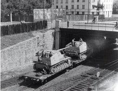 "Nashorn (German ""rhinoceros"", pronounced [ˈnaːsˌhɔɐ̯n] (""nahss-horn"")), initially known as Hornisse (German ""hornet"") Luftwaffe, Mg34, Railway Gun, Germany Ww2, Tank Destroyer, Model Tanks, Armored Fighting Vehicle, Ww2 Tanks, Battle Tank"