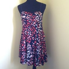 Summer Dress Perfect dress for the summer! Straps are adjustable and fabric is very light weight. Excellent condition. Dresses Mini