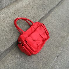 Speedy red bag