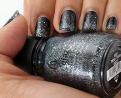 Google Image Result for http://www.makeupandbeautyblog.com/wp-content/uploads/2011/12/raider-nation-nails-1.jpg