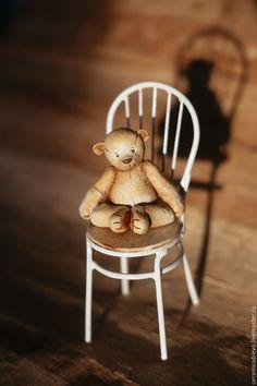 Купить Мишка на стульчике - мишка тедди, мишка, мишка в подарок, стул, стульчик, миниатюра