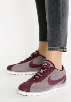 Nike Sportswear - CORTEZ ULTRA SE - Trainers - night maroon/light iron ore