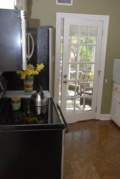 Space kitchen diy network and kitchen makeovers on pinterest for 9x9 kitchen designs