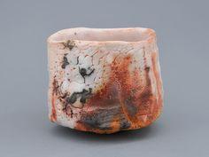 Ichiro Hori (1952 - ) - chawan, shino Japanese Ceramics, Japanese Pottery, Raku Pottery, Pottery Art, Matcha, Ceramics Ideas, Chawan, Ceramic Design, Tea Bowls