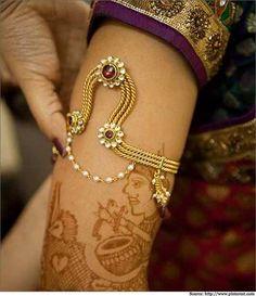 10 Baajuband/ Armlet Designs In Gold & Silver
