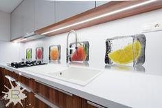 Fototapeta do kuchni Owoce w kostkach lodu http://lemonroom.pl/fototapety-do-kuchni-25-Do-kuchni-wf40-Owoce-w-kostkach-lodu.html