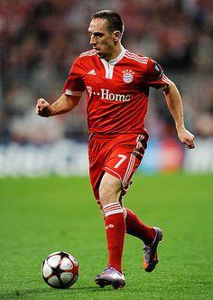 Franck Ribery greift gleich an :-)
