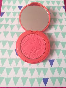 "My favourite make-up Blogger Carley's new post! ""Tarte Amazonian Clay 12-Hour Blush"" Go on and have a look at it! @carleyedminson"