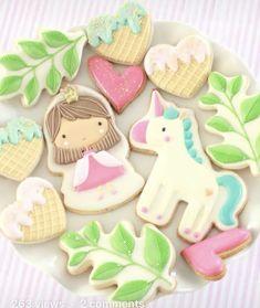 Leaf Cookies, Sugar Cookies, Cupcake Tutorial, More Cupcakes, Cookie Tutorials, Cookie Decorating, Gingerbread, Icing, Fairytale Castle