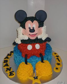 Mickey Mouse #mickeymouse #Disney #piped #cake #dlish Birthday Cakes, Mickey Mouse, Unisex, Disney, Desserts, Food, Meal, Anniversary Cakes, Michey Mouse