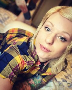 "@rude_lulu_ shared a photo on Instagram: ""💛 #fredperry #wearetipped #skinbyrds #skinbyrd #skingirl #skinheadgirl #justbecause"" • Jun 2, 2021 at 7:04pm UTC Skinhead Girl, N Girls, Fred Perry, Jun, Skiing, Couple Photos, Instagram, Rose Trees, Ski"
