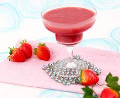 Strawberry Natural Juice Fresh Juice Recipes, Panna Cotta, Natural Juice, Strawberry, Healthy, Ethnic Recipes, Book, Dulce De Leche, Strawberry Fruit