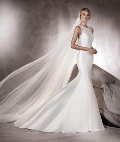 AGNES - Mermaid wedding dress in mikado, tulle and gemstones | Pronovias
