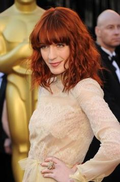 Florence Welch mit roten Haaren