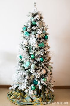 Flocked-Teal-Christmas-Tree-5