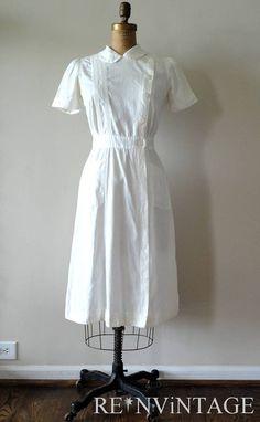 vintage 1940s WWII NURSE uniform cotton dress by shopREiNViNTAGE Nursing Pins, Nursing Dress, Nursing Clothes, Funny Nursing, Nursing Memes, Vintage Outfits, Vintage Fashion, Vintage Nurse, Apron Dress