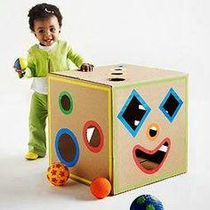 Juguetes de cartón DIY http://ariadnagarciabermudez.blogspot.com.es/2013/12/juguetes-de-carton-diy.html
