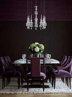 What turns an ordinary dining room into a dreamy one? Come, read this piece #unique #art #diningroomdecor #homedecor https://nirmalsfurnishingblog.wordpress.com/2017/05/04/adventures-of-a-gala-dining-room/