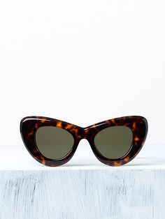 CÉLINE fashion and luxury accessories: 2014 Spring collection - - 6 Buy Sunglasses Online, Ray Ban Sunglasses Outlet, Oakley Sunglasses, Cat Eye Sunglasses, Sunglasses Women, Cool Glasses, Four Eyes, Vogue, Eyewear