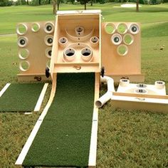 This new mini-golf game mixed with skeeball and beer pong looks pretty amazing Outdoor Yard Games, Diy Yard Games, Lawn Games, Diy Games, Backyard Games, Backyard Projects, Outdoor Projects, Outdoor Fun, Outdoor Life