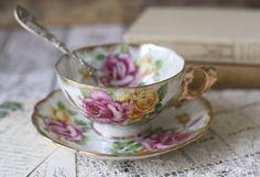 Vintage Japanese Roses Lusterware Teacup - Handpainted - circa 1920's - 30's op Etsy, 27,22€