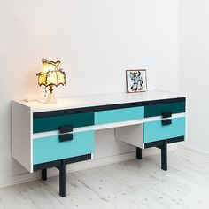 G-plan dressing table Furniture, Painted Furniture, Mid Century Modern Furniture, Upcycled Furniture, Furniture Upholstery, Retro Sideboard, Deco Furniture, Retro Furniture, Dressing Table Paint
