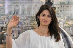 Virginia Raggi, première femme élue maire de Rome - http://www.italie-france.com/fr/virginia-raggi-premiere-femme-elue-maire-de-rome #italie #élections #politique #maire #gouvernement #rome #naples #turin #milan #regionales2016 #roma #italia #politica #economia #riforme #governo