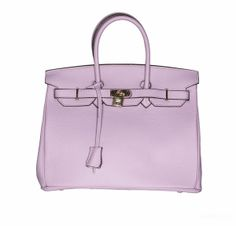 This beauty is a true summer must-have! Hanna leather handbag in Lavender colour will be your wardrobe essential for years to come. This leather purse is without logo - Don't get caught being someone else's brand, be your own brand, be stylish, be Nameless.