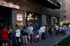معدل البطالة الإسباني: 18.91% الفعلي مقابل 19.30% المتوقع -  Reuters. معدل البطالة الإسباني: 18.91% الفعلي مقابل 19.30% المتوقع #اخبار  بيانات رسميه أظهرت يوم الخميس  أن معدل البطالة الإسباني هبط اكثر-من-المتوقع في الشهر السابق . في هاذا التقرير من وزارة العمل والهجرة قيل ان معدل البطالة الإسباني هبط الى المعدل السنوي وقدره 18.91% من 20.00% في الشهر الذي قبله. توقع خبراء المال بخصوص معدل البطالة الإسباني ان يسقط الى 19.30% في الشهر السابق . - المصدر : investing - شركة عربية اون لاين للوساطة…