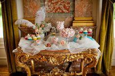 Marie Antoinette sweet bar