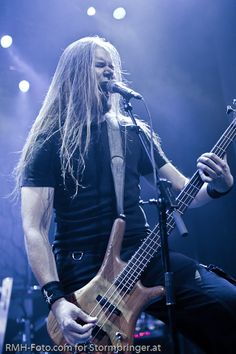 and-the-distance: Niilo Sevänen - Insomnium Heavy Metal Bands, Musica Metal, Band Photography, Just Give Up, Band Photos, Death Metal, Music Bands, Hard Rock, Rock Bands