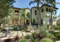 Spanish Homes with their high ceilings, smooth plaster finishes, decorative horseshoe arches, and tall double hung windows - See more at: http://bestlaneighborhoods.com/la-architecture/spanish-homes/#sthash.AkQXEnF6.dpuf