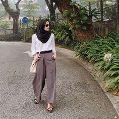 In love with these pleated pants from @mastulikhalid. Available in black, grey and monochrome stripes at @fashionvaletcom!  #fvootd #mastulikhalid
