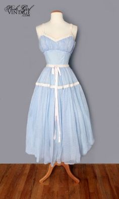 1950's prom dress I love the color!