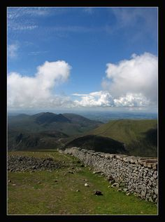 The Mourne Wall, Newcastle, Northern Ireland Copyright: Damien Datry