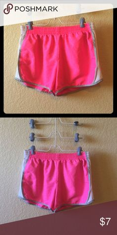Girls Size Large DANSKIN Athletic Shorts Girls Size Large DANSKIN Athletic Shorts. Excellent, Like NEW condition w/no signs of wear. Perfect condition. Comes from smoke free, pet free & odor free home. BUNDLE & SAVE!!! Danskin Bottoms Shorts