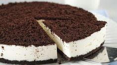 This Recipe Makes A Crunchy And Flavorful Crispy Pata! Cheesecake Facil, Oreo Cheesecake, Oreos, Oreo Torta, Crispy Pata, Portuguese Recipes, Coco, Tiramisu, Food Porn