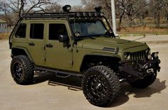 2013 Jeep Wrangler Unlimited Rubicon fully customized by Lone Star Conversions