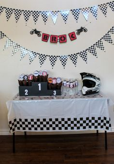 Motocross Birthday Party, Motorcycle Birthday Parties, Dirt Bike Party, Dirt Bike Birthday, Motorcycle Party, 13th Birthday Parties, Boy First Birthday, Birthday Party Decorations, Hot Wheels Party