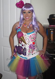 Amazing Katy Perry Costume ...That's actually really pretty cool. :)