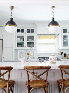 kitchen  Photography: Sabra Lattos - sabralattos.com/ Design: Irene Lovett - designstiles.me/  Read More: http://www.stylemepretty.com/living/2014/10/07/traditonal-home-with-a-chic-twist/