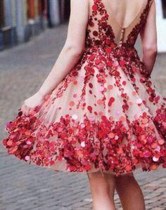 robe cocktail pour mariage en tulle à paillettes grandes rouge jupe évasée