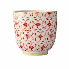 Buenos días con chute de cafeína en mi Taza Mug Roja de www.maison-artist.com que sienta mucho mejor!Por supuesto, diseño danés!