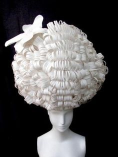 18th century wig done in paper!  This is exactly what I had in mind!  (but probably done way better)